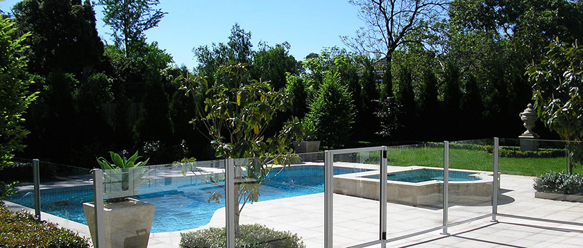 glass-pool-fencing-mornington-glass-pool-fencing-frankston-glass-pool-fencing-melbourne